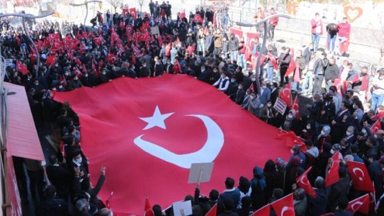 Şırnak'ta Gara şehitleri için 'teröre lanet' yürüyüşü