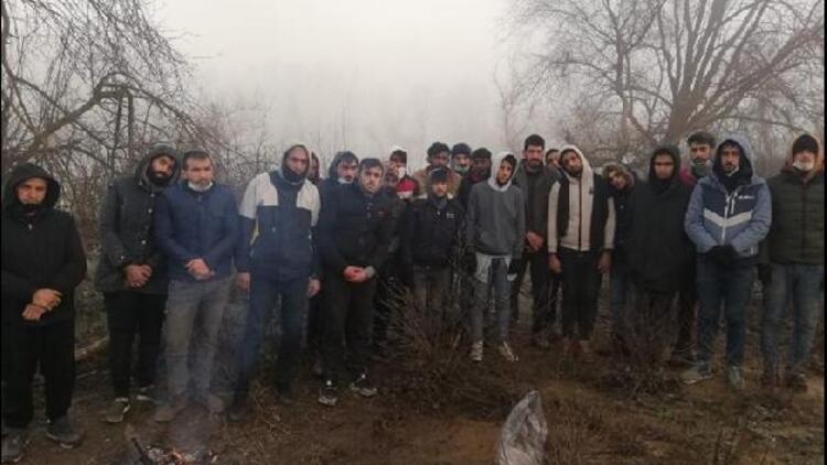 MSB: Meriç Nehri'ndeki adacıkta mahsur kalan 26 göçmen kurtarıldı