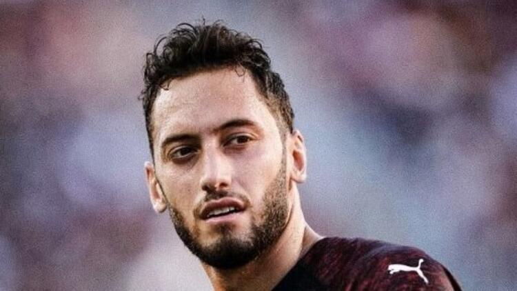 Milan'da Hakan Çalhanoğlu için transfer zirvesi!