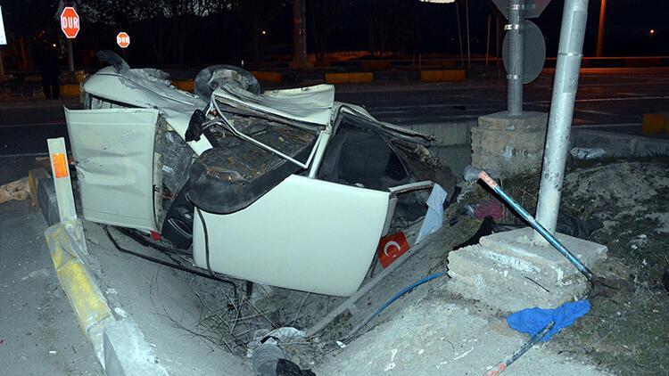 Antalya'da akılalmaz olay! Kaza yapan araç ikiye bölündü