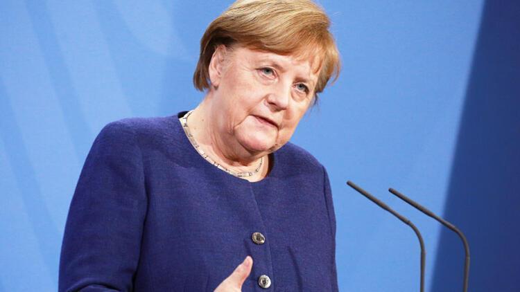 Merkel'e isyan başladı