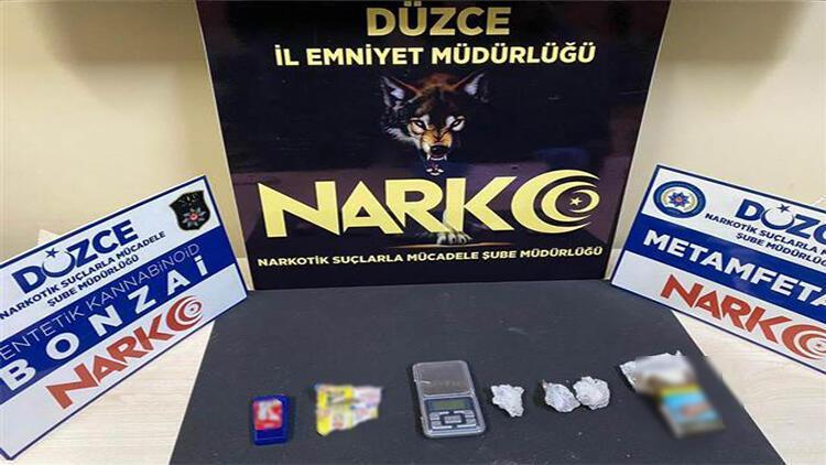 Düzce'de uyuşturucu operasyonunda yakalanan 2 şüpheli tutuklandı