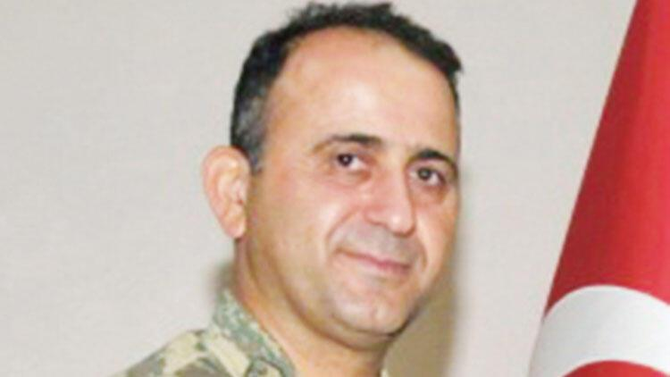 Firari tuğgeneral sınırda yakalandı