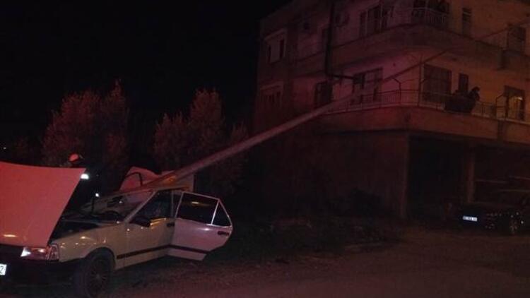 Antalya'da korkunç kaza! Otomobil sürücüsü hayatını kaybetti