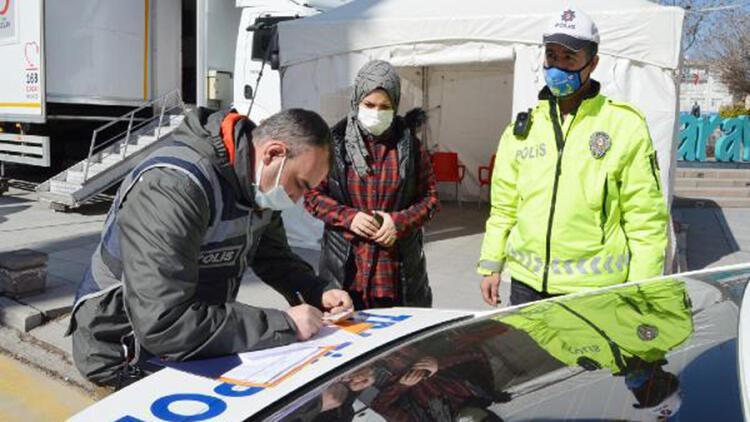 Kısıtlamada, otomobille 'kuru yemiş' seyahatine 3 bin 150 lira ceza