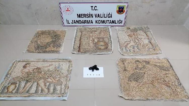 Tarihi mozaikler satılmadan ele geçirildi