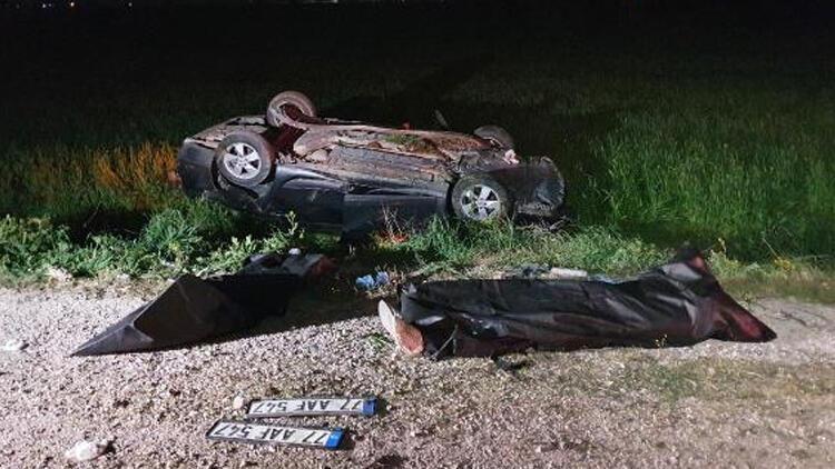Kontrolden çıkan araç şarampole devrildi: 2 ölü