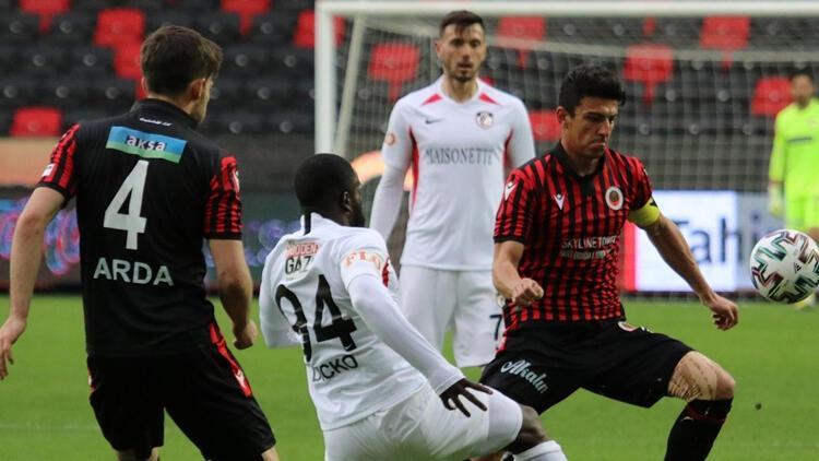 Gaziantep teknik direktörü Pinto: Oyuncularım ikinci yarıda savaşçı gibiydiler