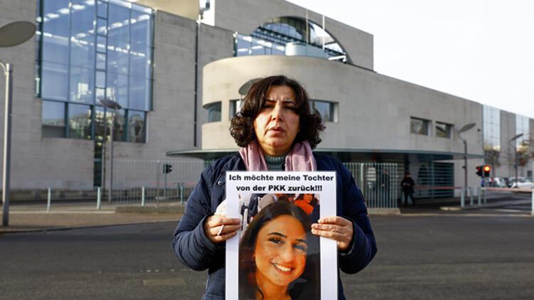 Almanya'da acılı annenin eylemi Başbakanlık önünde sürüyor
