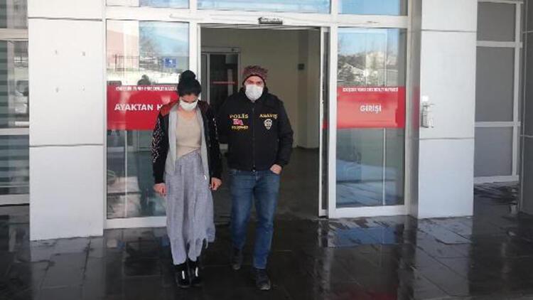 Hırsızlıktan tutuklanan kadının 24 sabıkası çıktı