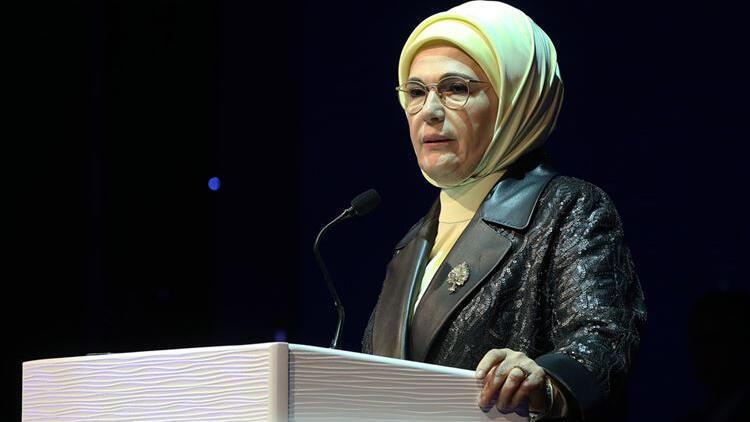 Emine Erdoğan Güçlü Türkiye'nin Güçlü Kadınları Zirvesi'nde konuştu