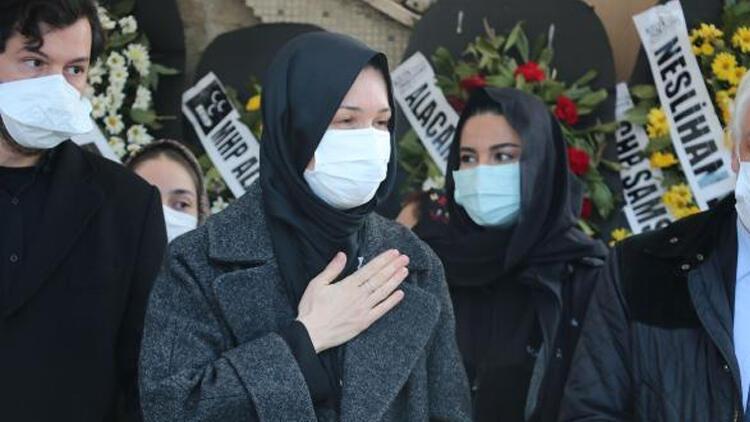 AK Parti Genel Başkan Yardımcısı Karaaslan'ın annesine veda