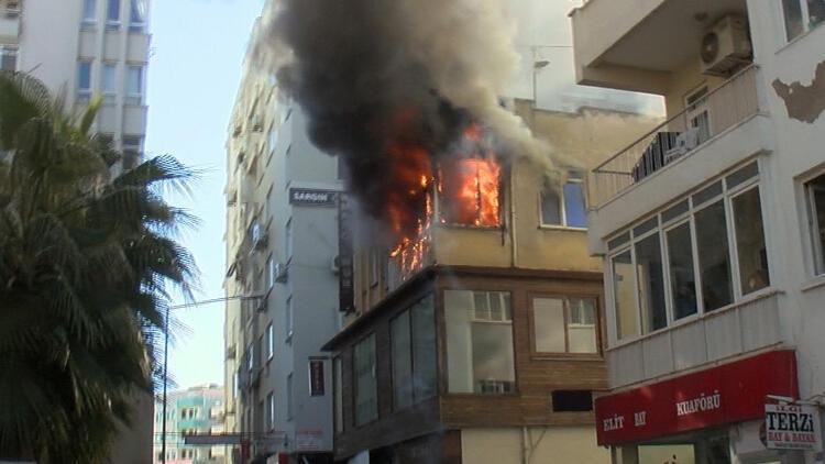 Antalya'da öğretmenin dairesi, alev alev yandı