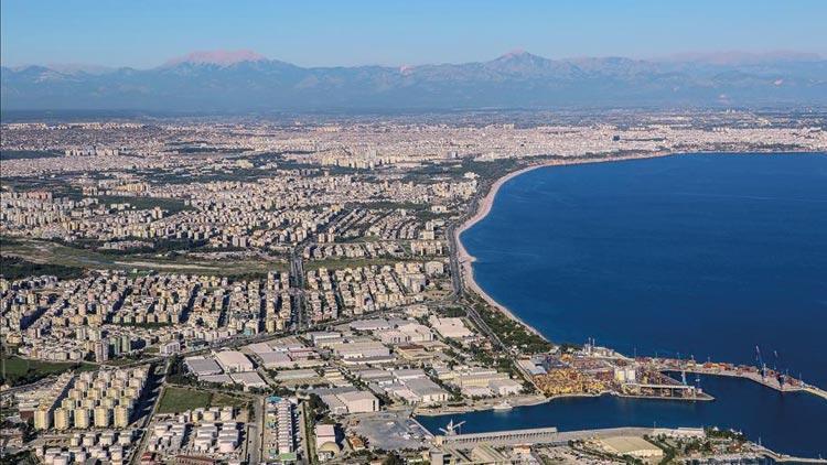 COVID-19 en çok Antalya'yı etkiledi