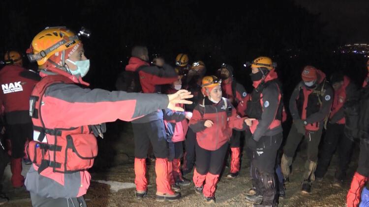 Bursa'da, 35 saattir haber alınamayan kişi için arama- kurtarma çalışması başlatıldı