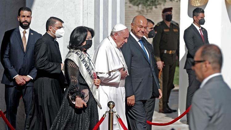 Papa Francis, 4 günlük tarihi Irak ziyaretini tamamladı