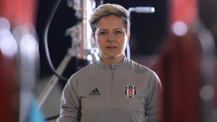 """Bahar Özgüvenç: """"Türkiye'de kadın futbolu halen emekliyor..."""""""