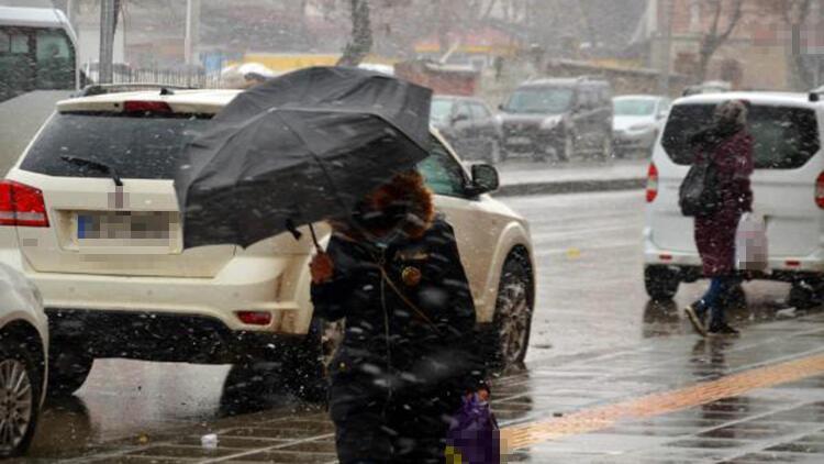 Muş'ta kar yağışı ve fırtına