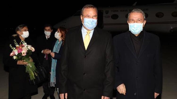 Milli Savunma Bakanı Hulisi Akar, Bükreş'e gitti