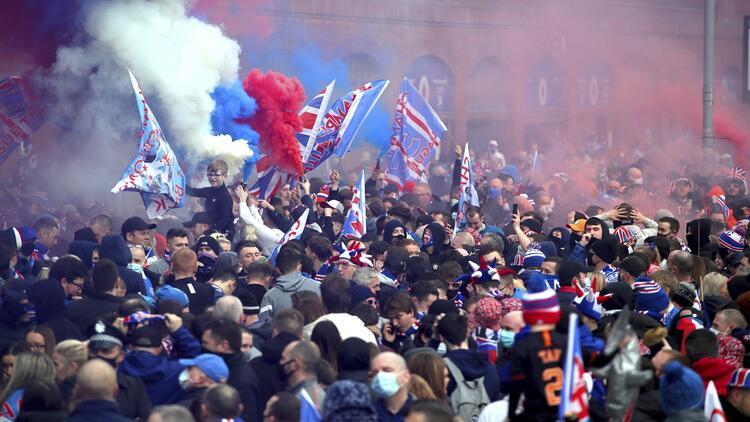 Rangers'ın şampiyonluk kutlamalarına 'pandemi' tepkisi! Vakalar artabilir...