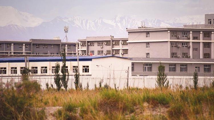 Uygurlara soykırım suçu işleniyor