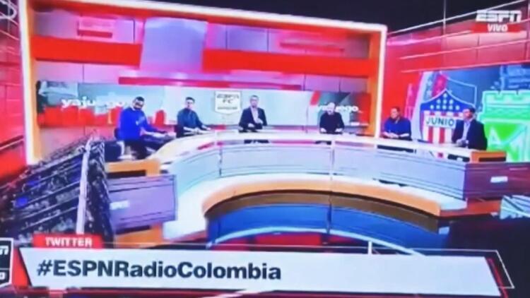 Kolombiyada canlı yayınlanan spor programında 'dev ekran' kazası