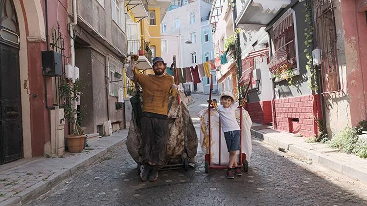 Kağıttan Hayatlar filminin Ali'si Emir Ali Doğrul kimdir, kaç yaşında?