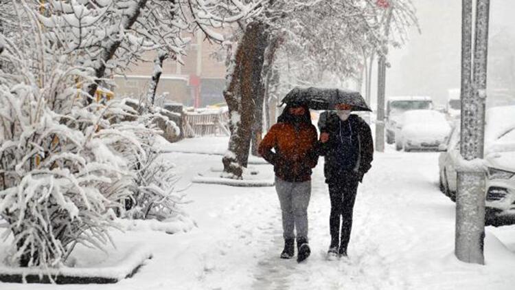 Muş'ta yoğun kar yağışı; 134 köy yolu ulaşıma kapandı