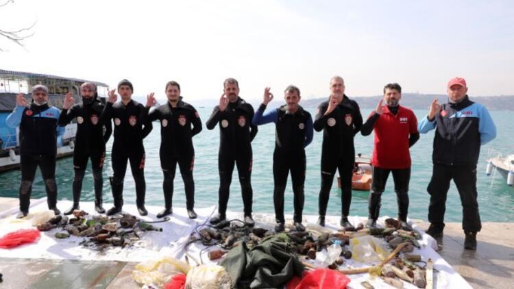 Daha temiz bir çevre için İstanbul Boğazı'na daldılar