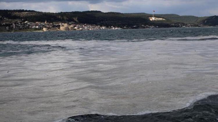 Denizi kaplayan 'müsilaj', balıkçının kabusu oldu