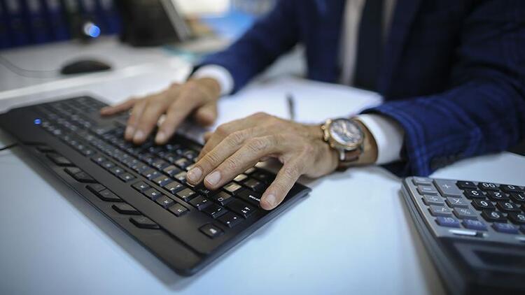 e-Devlet'te bir yılda iş dünyasına 300'den, vatandaşa yönelik 500'den fazla hizmet açıldı