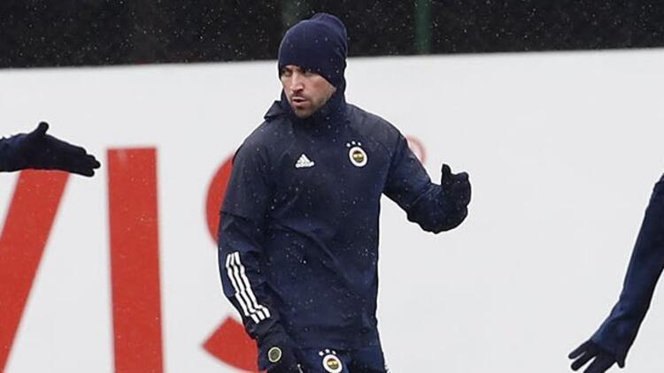 Fenerbahçe'de Sinan Gümüş takımla çalıştı