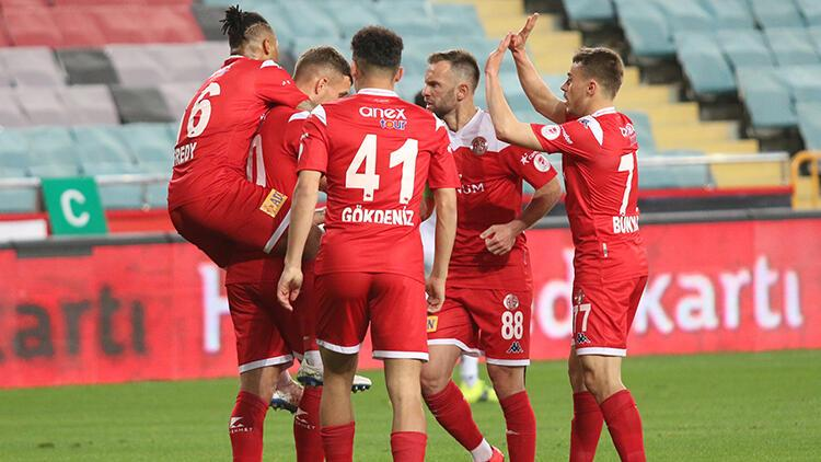Son Dakika   Ziraat Türkiye Kupası'nda finalin adı belli oldu: Antalyaspor-Beşiktaş! Alanyaspor 2 golle yıkıldı
