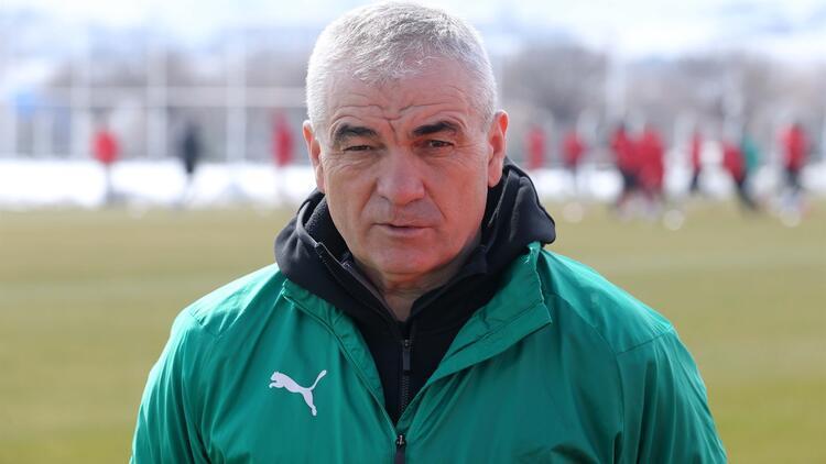 """Rıza Çalımbay: """"Göztepe maçını mutlaka kazanmalıyız, final olarak görüyoruz..."""""""