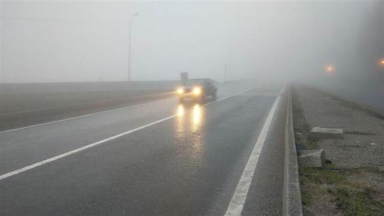 Bolu Dağında sis ve yağmur etkili oluyor