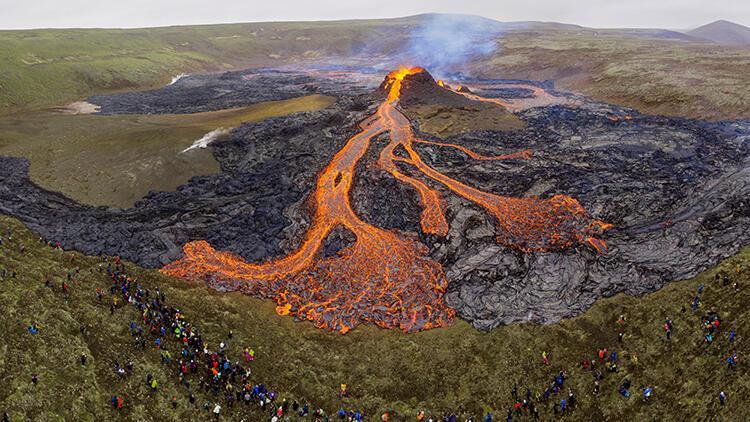 23 günde 50 bin deprem... İzlanda şaşkın! 800 yıldır uyuyordu...