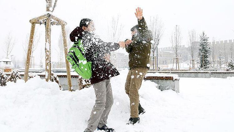 Yozgat'ta eğitime kar engeli!