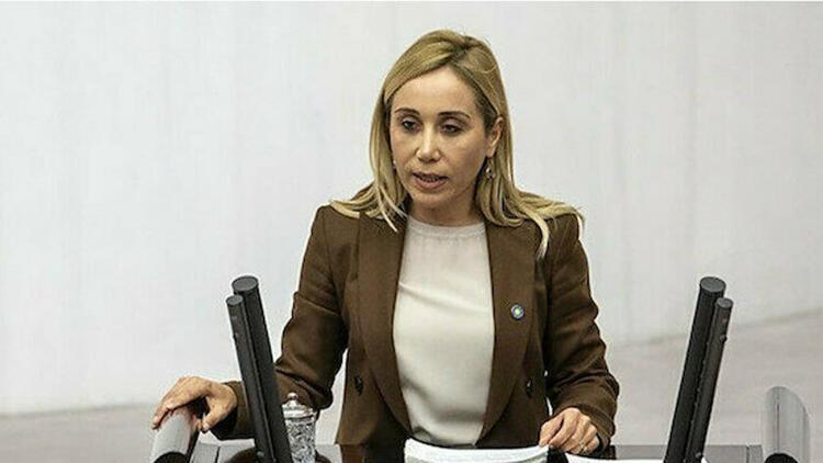 Tuğba Vural Çokal kimdir? AK Parti MKYK listesinde yer aldı