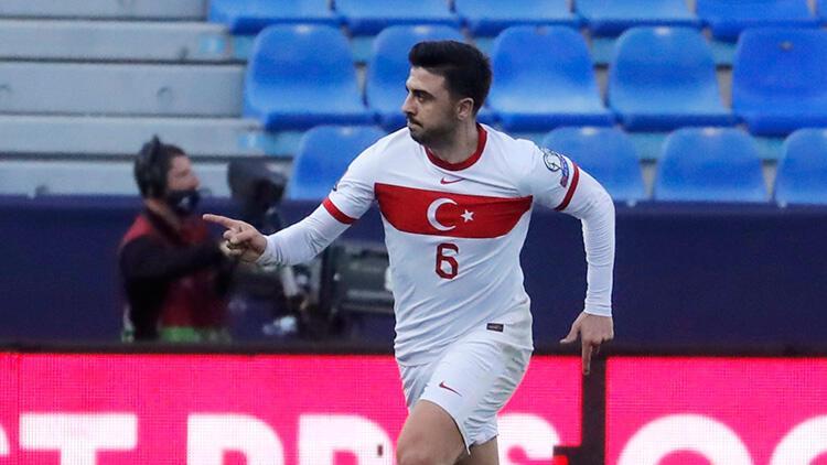 Mesut Özil'den Norveç-Türkiye maçında Ozan Tufan paylaşımı!