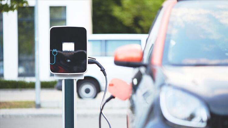 Çinli dev şirketten akıllı elektrikli araçlara 10 milyar dolarlık yatırım