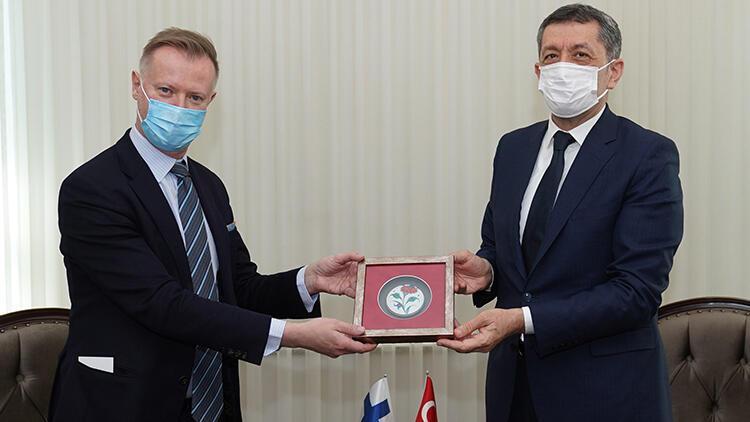 Milli Eğitim Bakanı Ziya Selçuk, Finlandiya'nın Ankara Büyükelçisi Maki'yi kabul etti