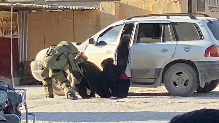 Afrin'de PKK/YPG üyesi iki kadın canlı bomba yakalandı