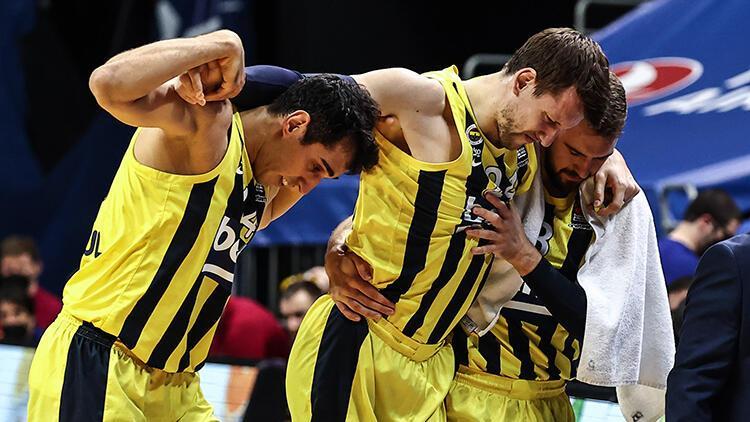 Fenerbahçe'de Jan Vesely ve De Colo şoku! Barcelona maçında sakatlandı