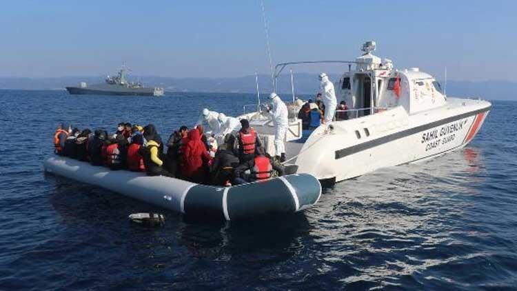 Balıkesir'de 106 kaçak göçmen kurtarıldı
