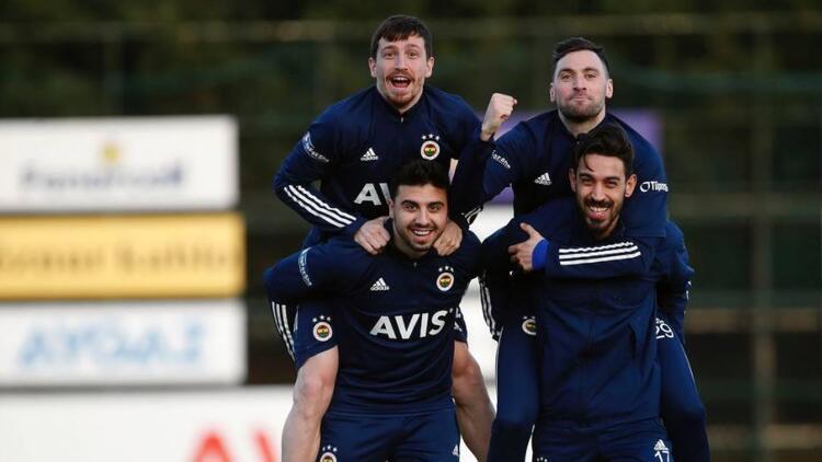 Fenerbahçe'de Gökhan Gönül, Diego Perotti ve Mesut Özil gelişmesi
