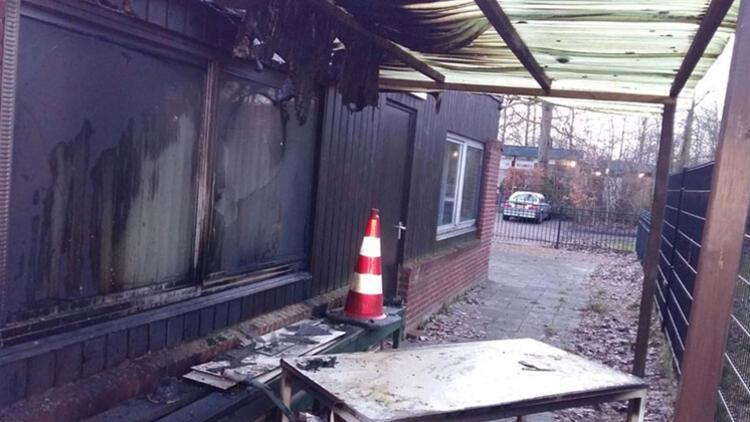 Hollanda'da inşası devam eden cami kundaklandı