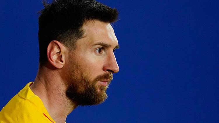 Barcelona'dan ayrılması beklenen Messi için flaş iddia! 'Neredeyse eminim'