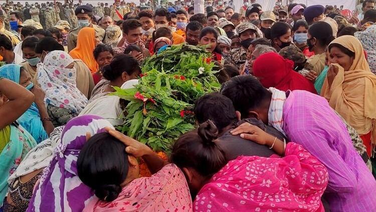 Son dakika haberler... Hindistan'da Kovid-19 kâbusu: İlk kez 100 binden fazla vaka görüldü!
