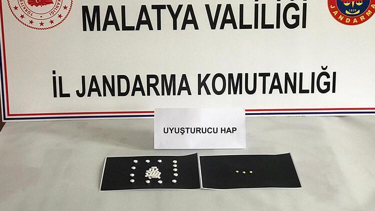 Malatya'da jandarma ekipleri 46 uyuşturucu hap ele geçirdi