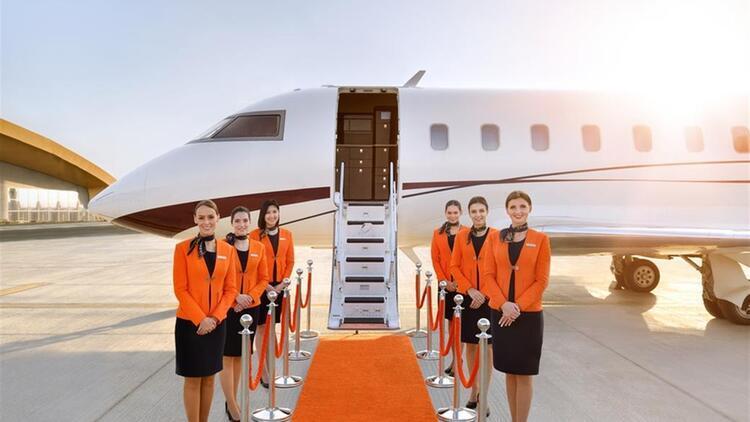 Dubaili şirketten ilginç hizmet! Gökyüzünde iftar açmanın bedeli 18 bin dolar...